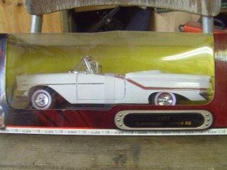 1/18 Oldsmobile Super88 Avo 1957