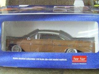 1/18 Pontiac Bonneville 1959